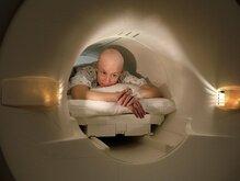 Американцы тестируют 750 препаратов против рака